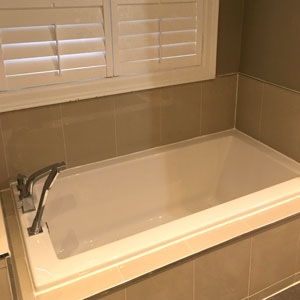 Finished Bathroom Tub - Dove Reno